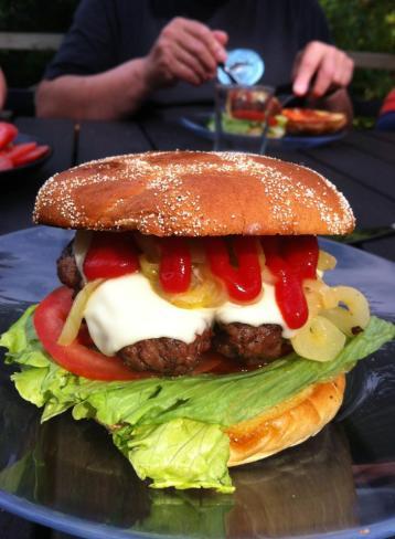 Burger_karamelliserd